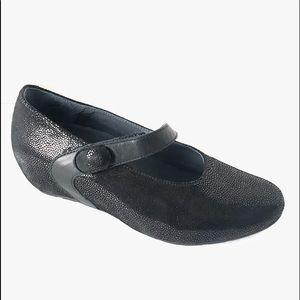 Wolky Black Embossed Snakeskin Velcro Mary Jane 36